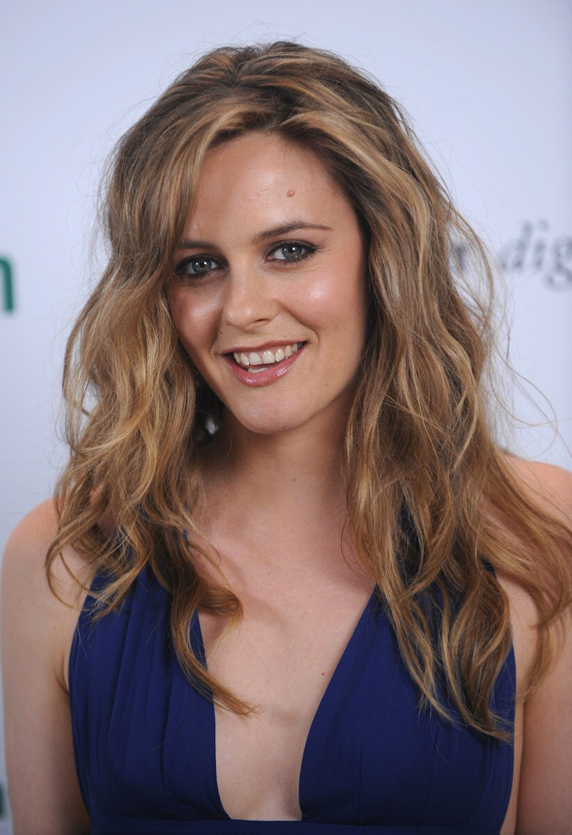 Alicia Silverstone attends the 2009 Heart of Green Awards at Hearst Tower