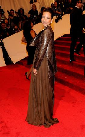 Alicia Keys metropolitan museum of art costume institute benefit 02 05 11