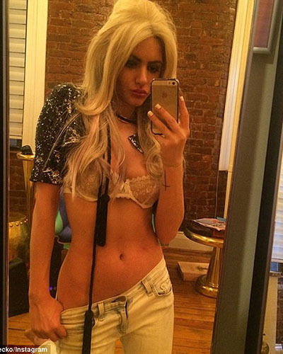 Gabi Grecko in lingerie taking a selfie