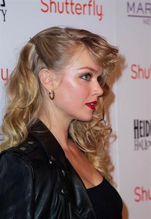 Lindsay Ellingson dress up as Sandy from Grease for Halloween