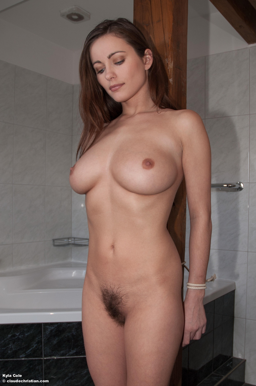 madeline-cole-nude
