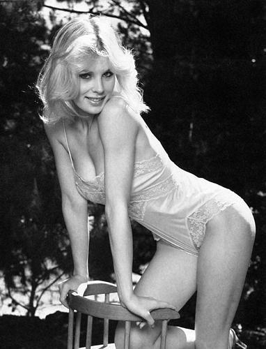 Dorothy Stratten in lingerie