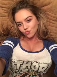 Lauren Hanley taking a selfie