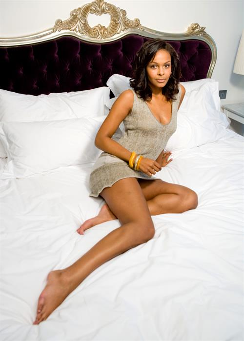 Samantha Mumba Pictures In An Infinite Scroll - 89 Pictures-9390