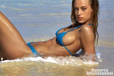 Hannah Ferguson - Sports Illustrated Swimsuit 2016