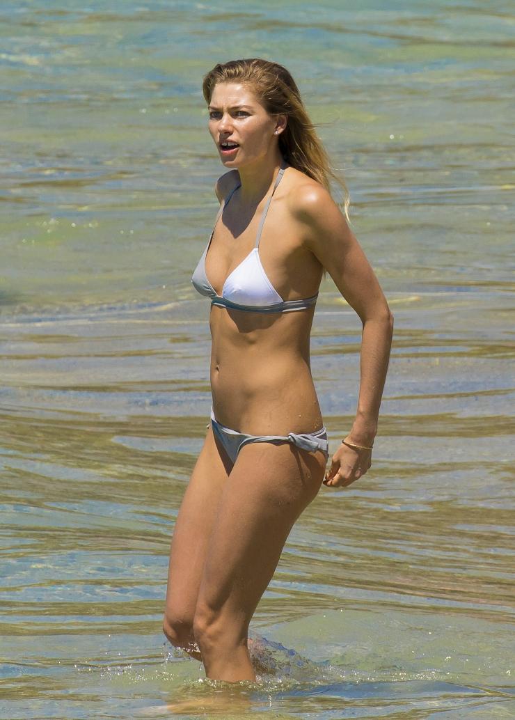 jessica-hart-bikini-pictures