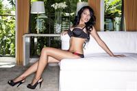 Nasia Jansen in lingerie