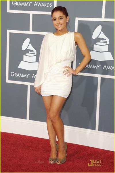 Ariana Grande looking amazing at the 2011 Grammies