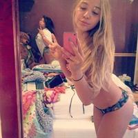 Stella Hudgens taking a selfie