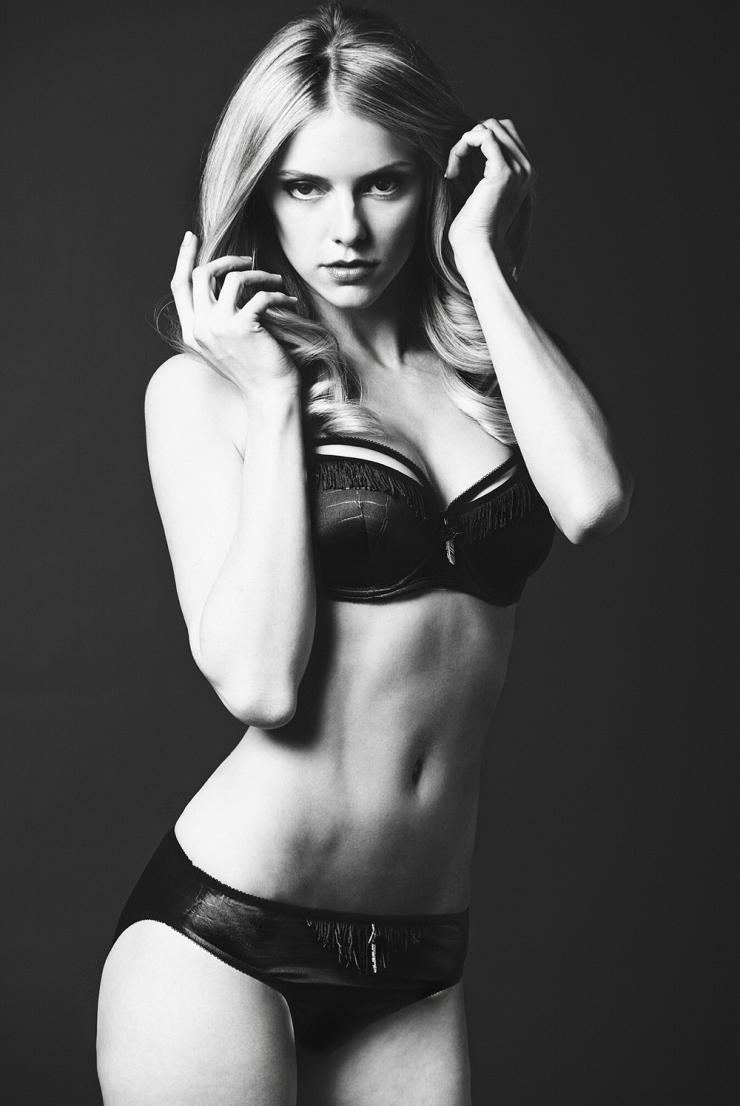 Elle Evans in lingerie