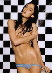 Nicole Trunfio in lingerie