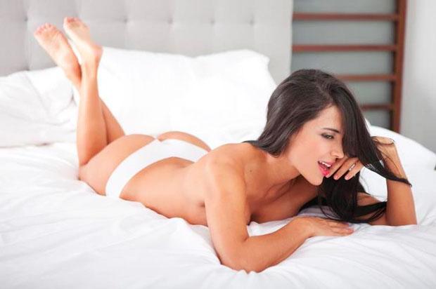 Milena Taborda in lingerie - ass