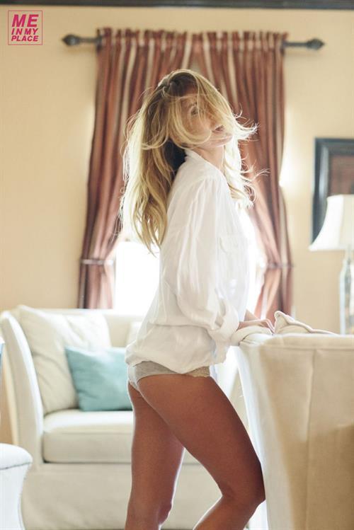 Audrina Patridge - Esquire Me in My Place