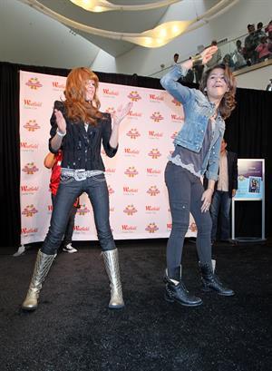 Bella Thorne and Zendaya Coleman