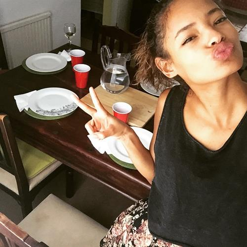 Malaika Firth taking a selfie