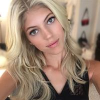 Devon Windsor taking a selfie