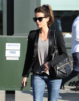 Kate Beckinsale heads out to lunch in Brentwood 11/7/12