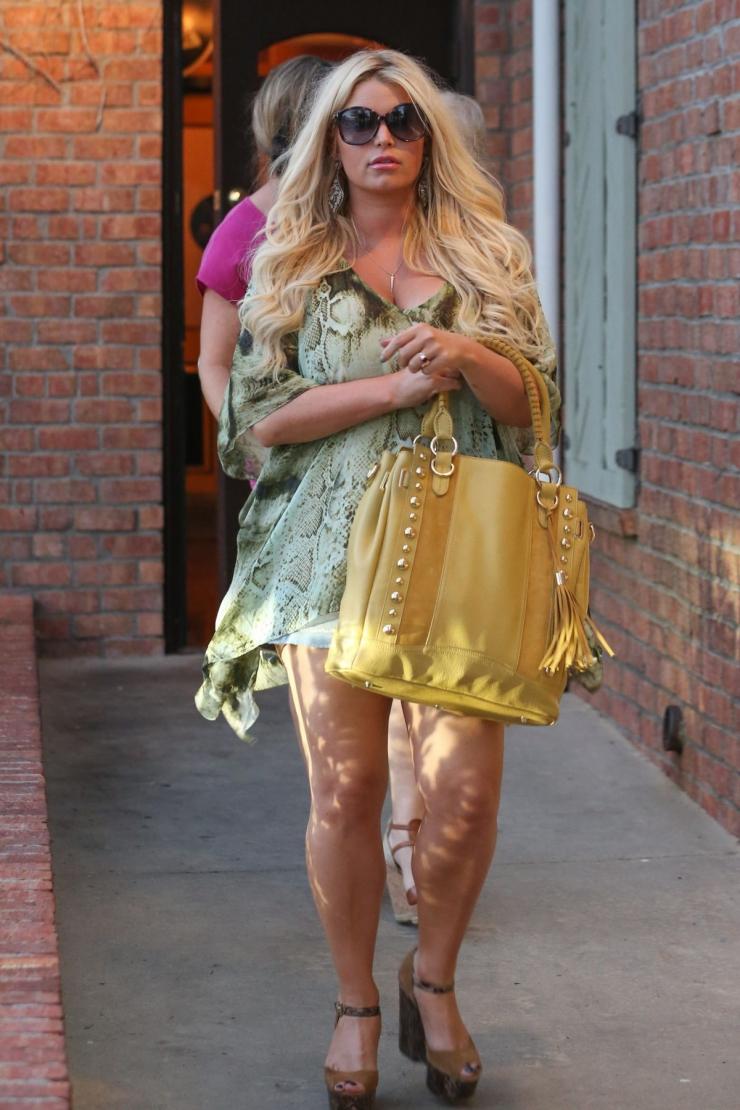 Jessica simpson fashion line sales 93
