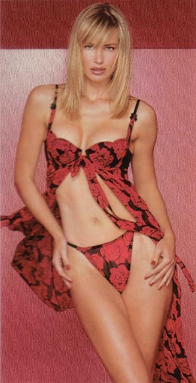 Daniela Pestova in lingerie