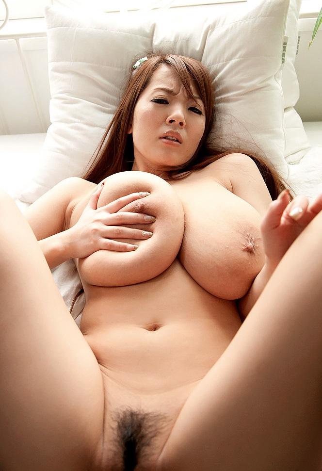 Pussy spread Hitomi tanaka