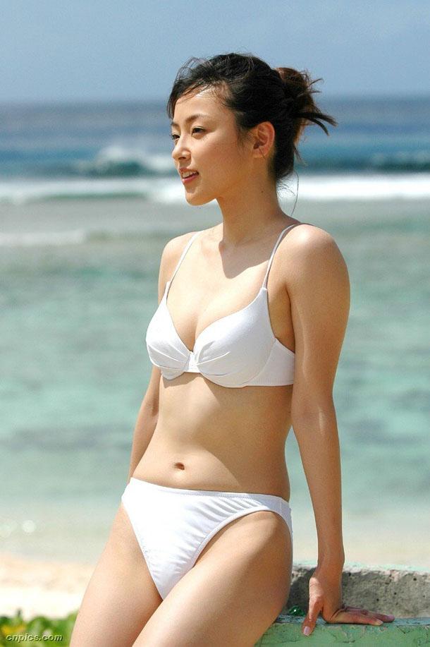 Ayumi Kinoshita in lingerie