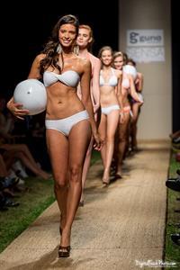Carolina Betancourth in a bikini