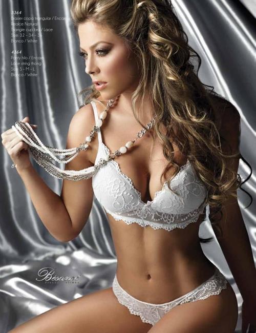 Daniela Tamayo in lingerie