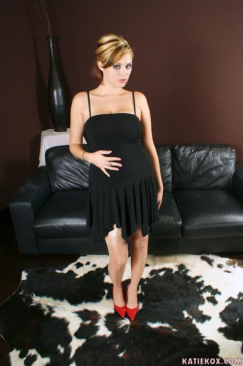 Katie Koxs Pictures. Hotness Rating = 8.65/10