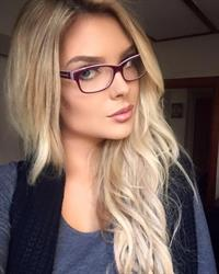 Sarah Louise Harris taking a selfie