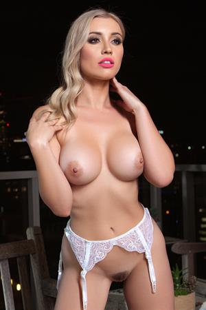 Playboy Cybergirl - Dorothy Grant Nude outside at night