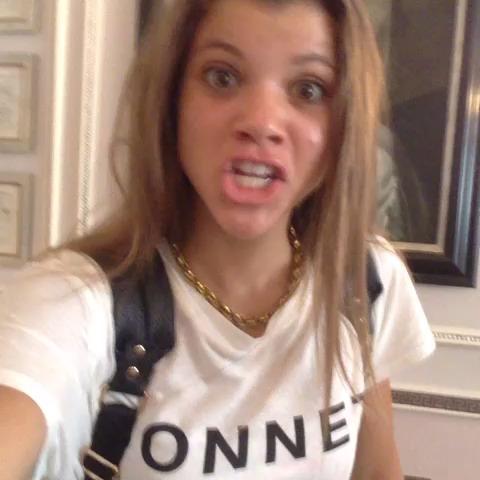 Sofia Richie taking a selfie