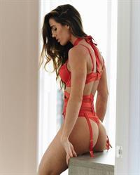 Valentina Lequeux in lingerie