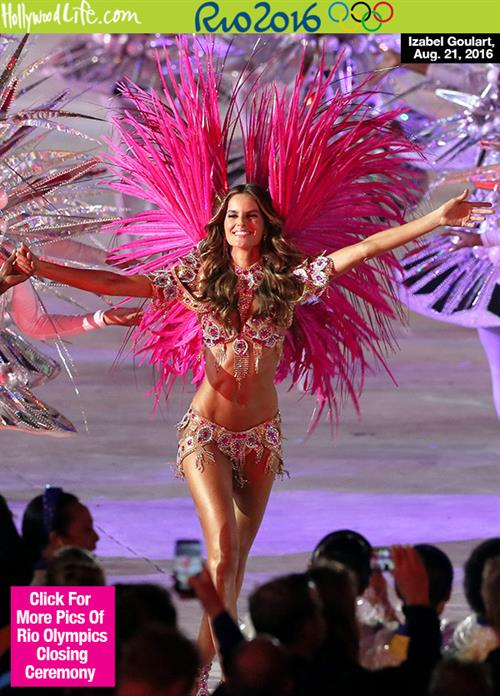 Supermodel Izabel Goulart in the Olympics Closing Ceremony: a stunner in Bejeweled Bikini