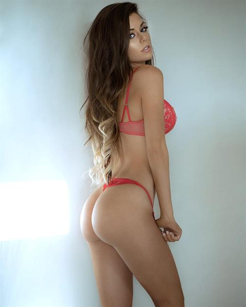 Juli Annee in lingerie - ass