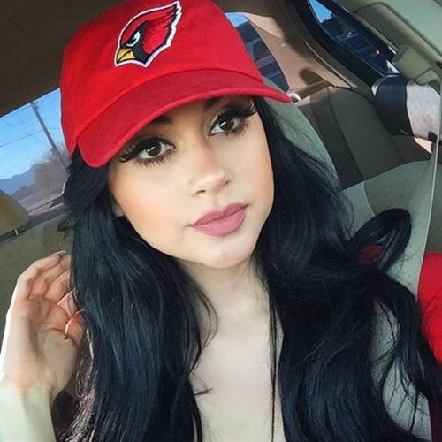 Jailyne Ojeda Ochoa taking a selfie