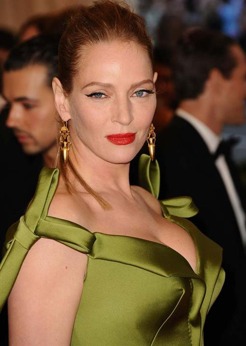 Uma Thurman in a green dress