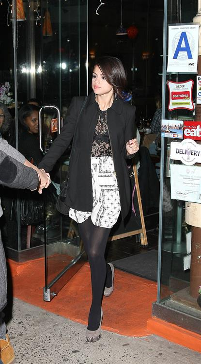 Selena Gomez leaving a restaurant in New York City on December 2, 2012