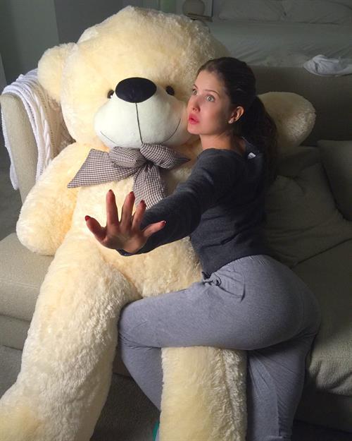 Amanda Cerny - ass