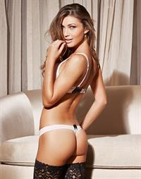 Simone Villas Boas in lingerie - ass
