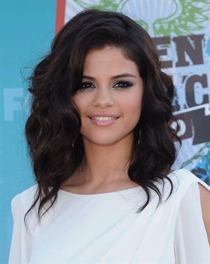 Selena Gomez at the 2010 Teen Choice Awards at the Gibson Amphitheatre on August 8