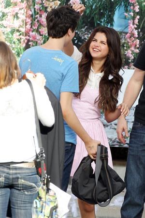 Selena Gomez - Shares an on screen kiss with her co star while filming in Sherman Oaks August 10, 2012
