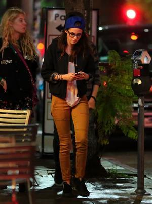 Texting in Los Feliz February 20, 2013