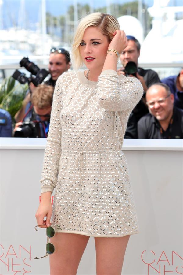 Kristen Stewart looks chic