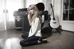 Taylor Swift Nigel Barker photoshoot 2012