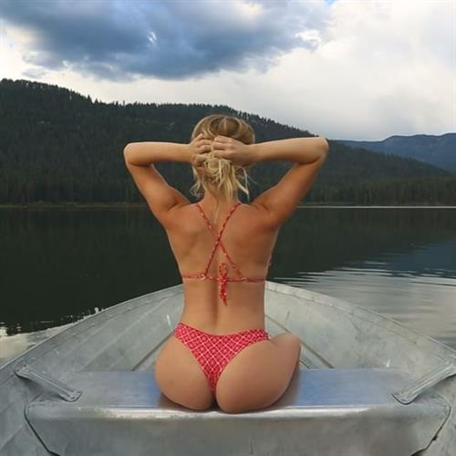 Sara Jean Underwood in a bikini - ass