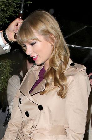 Taylor Swift arrives at her hotel after Factor at Wembley Stadium October 5, 2012