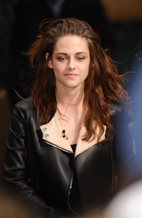 Kristen Stewart at the 'TODAY' show in New York City 11/7/12