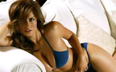 Sandra Ramirez in lingerie