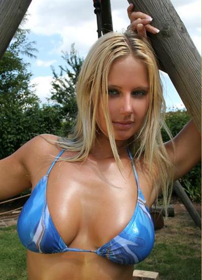 Enza in a bikini