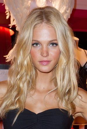 Erin Heatherton at the Victorias Secret store opening at Plaza Las Americas 16.11.2011